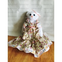кошка в платье