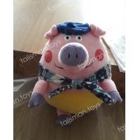 свинка с шарфом