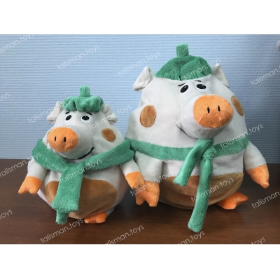 зеленая свинка с мелкой свинкой